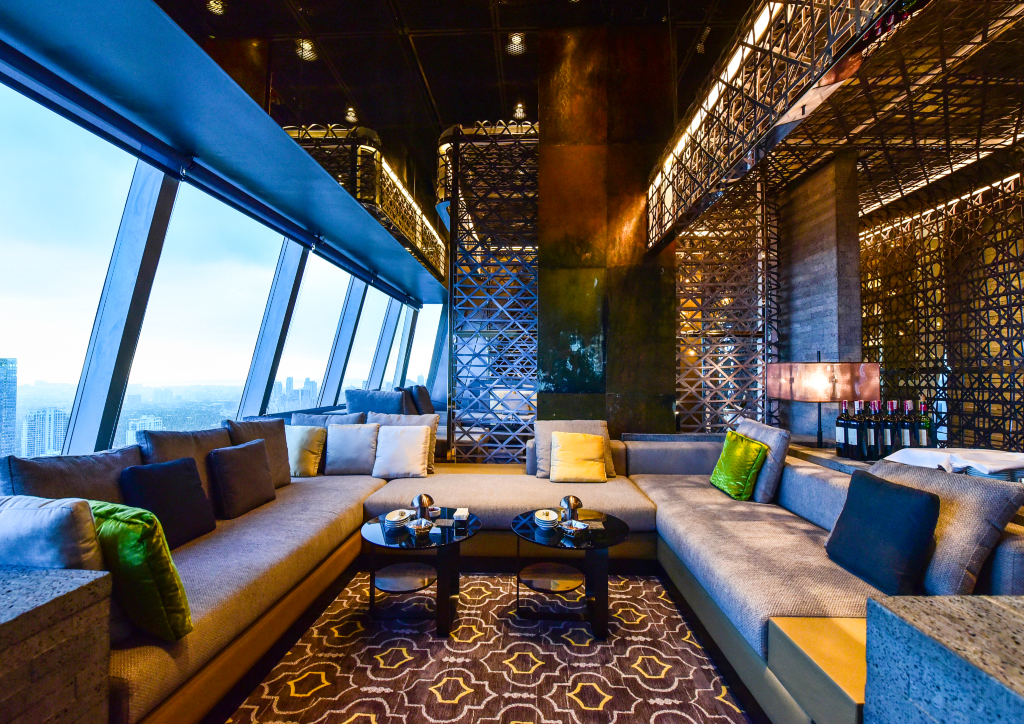Tokyo-based international design firm Nao Taniyama & Associates were commissioned to design The Peak's interiors